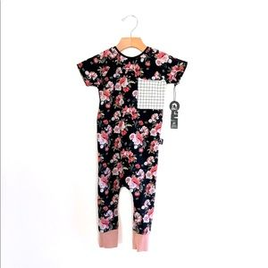 NWT Floral Rags To Raches